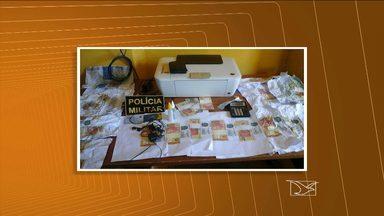A polícia prendeu em Alto Parnaíba um suspeito de falsificar cédulas - Na região sul do Maranhão, a polícia prendeu em Alto Parnaíba, na divisa com o Piauí, um suspeito de falsificar cédulas.