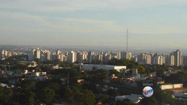 Confira a previsão do tempo nesta segunda (20) em Ribeirão Preto - Dia deve ser de sol com possibilidade de chuvas e máxima esperada é de 32 graus.