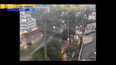 Trânsito: veja as informações do tráfego na manhã de segunda-feira (20) - Assista ao vídeo.