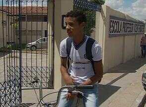 Greve dos professores da rede estadual completa uma semana em Pernambuco - Em Caruaru, 80% dos efetivados aderiram à paralisação.