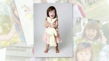 Flagra do Encontro! Menina com Síndrome de Down manda registros de sua arte - Aos 4 anos, menina faz aula de dança e música. Confira!