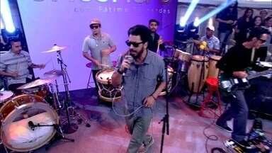 Nação Zumbi abre o Encontro com música - Banda coloca os convidados para dançar