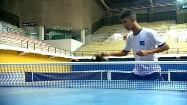 Conheça os jovens talentos do tênis de mesa - Danilo Rolim e João Victor Silva são medalhistas cariocas. A bola no tênis de mesa pode chegar a 230km/h.