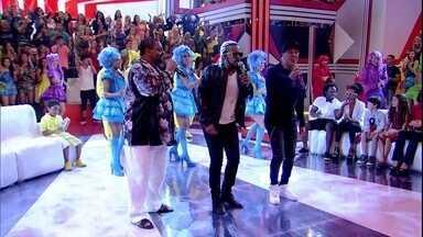 Roda de samba abre o Esquenta! com 'A flor e o samba' - Regina apresenta os convidados do programa