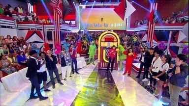 Drica Moraes solta a voz no quadro Laiá-Laiá - Atriz se diverte em brincadeira no palco do Esquenta!