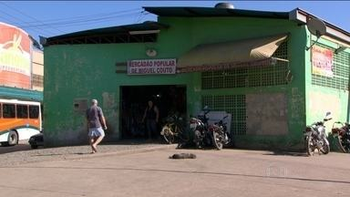 Moradores de um bairro em Nova Iguaçu estão assustados com a violência - O bairro de Miguel Couto está sofrendo com os traficantes, que intimidam moradores e comerciantes. Em alguns pontos, existe até toque de recolher.