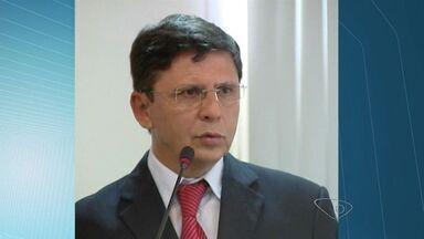 Prefeito de Cachoeiro é condenado pela segunda vez em maio, no ES - Carlos Casteglione foi condenado pelo crime de nepotismo.Ele já havia sido condenado por fraudes em contratos e licitações.