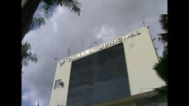 Ex-contador da Câmara de Cachoeiro terá que devolver R$ 2 milhões, no ES - Hélio Grechi foi condenado a 16 anos de prisão por desvio de dinheiro.Presidente da Câmara afirmou que há outras investigações em aberto