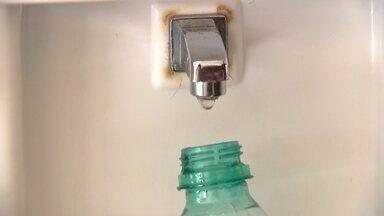 Estudantes reclamam de falta de bebedouros na UnB - Beber água na Universidade de Brasília não é fácil: a maioria dos bebedouros não estão funcionando.