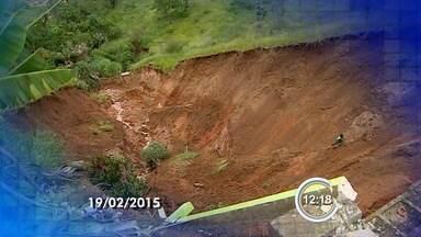 Moradores reclamam de buraco em bairro de Jacareí, SP - Enorme erosão preocupava os moradores do Parque dos Príncipes.