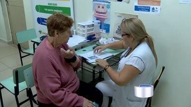 Pacientes reclamam da demora no atendimento no hospital Clínicas Sul em São José - É o segundo dia consecutivo em que ocorre demora no atendimento.