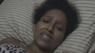 Mulher com a perna quebrada aguarda há três meses por cirurgia em Manaus - Ela também descobriu um tumor que a deixa com fortes dores na região da barriga.