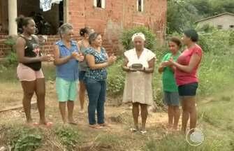 Calendário: moradores do loteamento Planalto Uruguai comemoram um ano de rua problemática - Calendário: moradores do loteamento Planalto Uruguai comemoram um ano de rua problemática