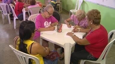 Em Manaus, projeto ajuda a melhorar o funcionamento da memória de idosos - Jogos, leitura também ajudam a lembrar das coisas.