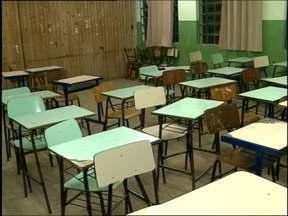 Escola de Ensino Médio de Capão do Leão não tem prédio e sobram problemas - Estudantes pedem inclusive merenda que não é feita na escola.