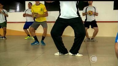Balé possui semelhanças com handebol que ajudam na preparação dos atletas - Professora descobre semelhanças entre balé e handebol que ajudam na preparação dos atletas