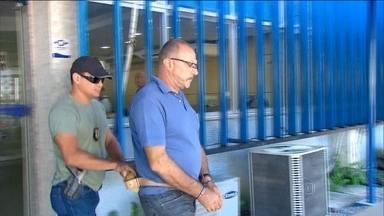 Polícia Federal prende mafioso italiano no Recife - Pasquale Scotti entrou no Brasil há 30 anos. Segundo as investigações, ele usou documentos falsos, adotou o nome de Francisco de Castro Visconti e foi morar no Recife. Se casou e teve dois filhos pernambucanos.