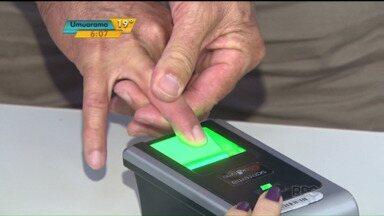Cadastro biométrico de eleitores começa a ser implantado em Cascavel e Toledo - O cadastro, no entanto, demorou muito para quem quis aderir ao sistema já no primeiro dia.
