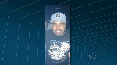 Polícia Civil investiga morte de DJ num hotel de luxo na Barra - Valdemir dos Santos, o DJ Goleiro, tinha 37 anos, estava com um casal, num quarto do hotel quando morreu. Ele se feriu quando uma mesa de vidro caiu sobre o pé dele.