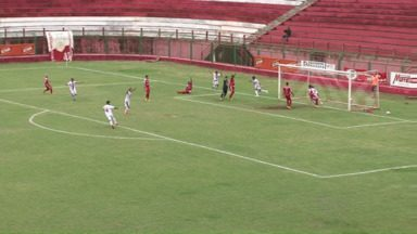 ACP perde em casa e continua na segundona do Paranaense - O segundo jogo da semifinal terminou em 3 a 1 para o Toledo.