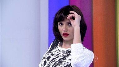 Monica Iozzi faz pose de modelo no estúdio do Vídeo Show - Muita beleza e elegância marcaram a festa da novela Verdades Secretas
