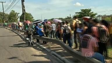 Milhares de pessoas fazem fila para se inscrever em concurso no Pará - São 380 vagas, em 95 cargos, no cadastro de reserva do Comara, a Comissão de Aeroportos da Amazônia.