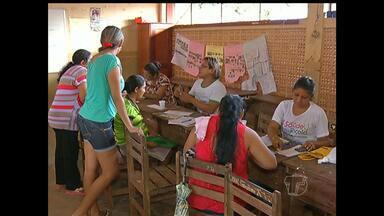 Escola União Libertadora realização ações de saúde - Família dos alunos e professores também participaram. Quem estava esperando há meses por consulta médica aproveitou a oportunidade.