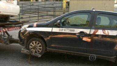 Duas pessoas são atacadas com facas em Niterói - Uma das vítimas levou dez facadas de uma só vez no rosto. Ela está internada e sem previsão de alta.