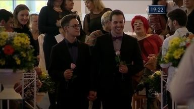 Casais oficializam união em casamento coletivo de Itajaí - Casais oficializam união em casamento coletivo de Itajaí