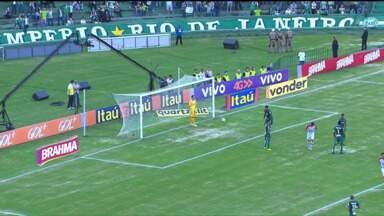 Coritiba perde para o Flamengo e continua na zona de rebaixamento - O jogo foi disputado na tarde deste sábado (13) no Couto Pereira.