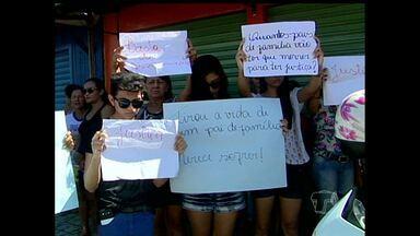 Protesto contra morte de homem tem tumulto em Monte Alegre, PA - População impediu a passagem de veículo que transportava suspeitos.