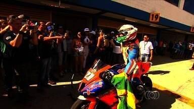 Terceira etapa do Goiás Moto GP movimenta o autódromo de Goiânia - Pilotos de várias partes do país em diversas categorias participam da competição.