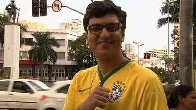 Torcedor goiano comenta participação do Brasil na Copa América - Torcedores falam sobre vitória sobre o Peru e futuro na competição continental.