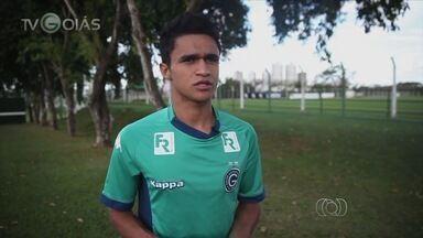 Erik comemora convocação para o Pan e comenta momento ruim no Goiás - Apesar de ser chamado para a Seleção, ele está barrado há três jogos no Verdão.