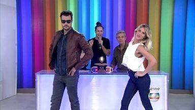 Joaquim Lopes e Giovanna Ewbank desfilam no estúdio do Vídeo Show - Rainer Cadete mostra diferença de desfile masculino e feminino
