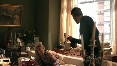 Anthony leva susto ao encontrar mãe - O modelo diz que vai tentar remarcar o médico