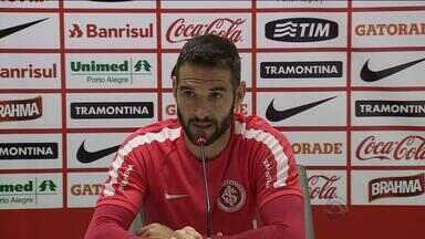 Lisandro López fala sobre mudança de número na camiseta - Apresentado com a camiseta número 31, argentino agora usa a 17.