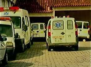 Pacientes têm dificuldade para conseguir ambulância em São Mateus, Norte do ES - A assessoria de comunicação da prefeitura informou que a secretaria de Saúde tem 30 veículos para o transporte de pacientes. Em média, 80 pessoas por dia são levadas para Vitória.