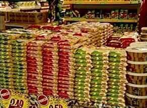 Em época de festa junina, ESTV confere se preço das comidas variou, no ES - Junho e julho são meses cheios de festas típicas.
