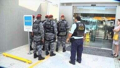 Gerente aciona segurança ao soar alarme de banco por acidente - Polícia enviou reforço ao local.