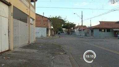 Jovem é atingido por tiro durante brincadeira com arma de fogo em São José - Adolescente de 15 anos levou tiro no olho e foi socorrido no hospital da Vila Industrial.