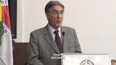 Pimentel faz desabafo sobre investigação durante evento - Veja vídeo