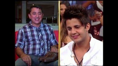 Reveja! Pai de Cristiano Araújo conta história do início da carreira do filho - Emoção tomou conta da plateia