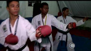 Karatecas do Piauí se destacam no Campeonato Brasileiro e trazem 5 ouros - Karatecas do Piauí se destacam no Campeonato Brasileiro e trazem 8 medalhas, entre elas 5 de ouro