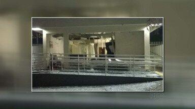 Bandidos explodem agência bancária em Dois Vizinhos - Foi nessa madrugada e os bandidos conseguiram fugir.