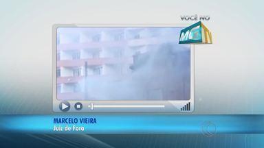 VC no MGTV: Morador registra incêndio em casarão de Juiz de Fora - Ocorrência foi na manhã de domingo (28) no Centro da cidade. Palacete dos Fellet foi tombado pelo município em 2012.