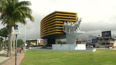 Monumento dos 150 anos de Campina Grande foi construído as margens do Açude Velho - Monumento está quase pronto para inauguração.