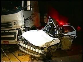 Família inteira morre em acidente em Nonoai, RS - Quatro adultos e uma criança estavam no carro. Todos morreram na hora.