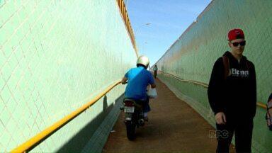 Pedestres reclamam da insegurança na trincheira da BR-277, em Medianeira - O local também está sendo utilizado por motociclistas.