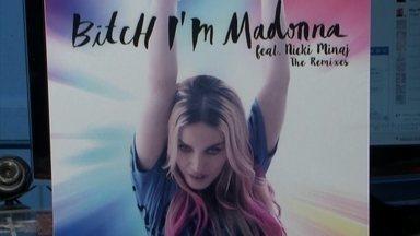 """Madonna usa montagem feita por fã brasileiro em capa de single - Madonna gostou tanto das montagens de Aldo que acabou pedindo para que criasse a capa do último lançamento dela, a música """"Bitch, I'm Madonna""""."""